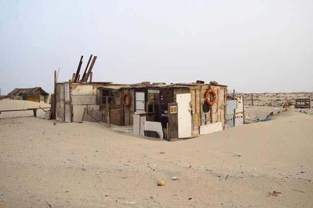 A house is seen on the beach in Nouadhibou June 25, 2014. (Photo by Joe Penney/Reuters)