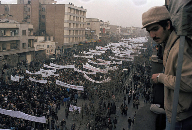 View of a massive demonstration against the Shah of Iran in downtown Tehran, Iran, October 9, 1978. (Photo by Michel Lipchitz/AP Photo)