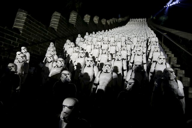 """Five hundred replicas of the Stormtroopers characters from """"Star Wars"""" are seen on the steps at the Juyongguan section of the Great Wall of China during a promotional event for """"Star Wars: The Force Awakens"""" film, on the outskirts of Beijing, China, October 20, 2015. (Photo by Jason Lee/Reuters)"""