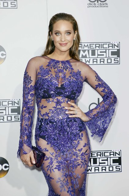 Hannah Davis arrives at the 2016 American Music Awards in Los Angeles, California, U.S., November 20, 2016. (Photo by Danny Moloshok/Reuters)