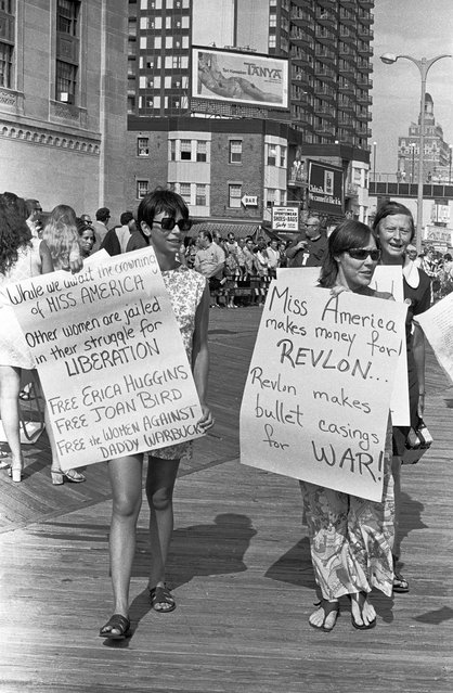 Anti Miss America Demonstration on September 7, 1968 in Atlantic City, New Jersey. (Photo by Santi Visalli/Getty Images)