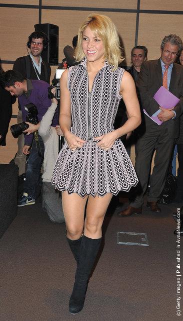 Shakira arrives at Hotel Majestic