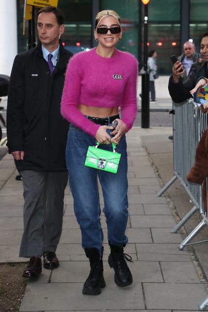 Dua Lipa seen leaving BBC Radio 2 on November 06, 2019 in London, England. (Photo by Neil Mockford/GC Images)