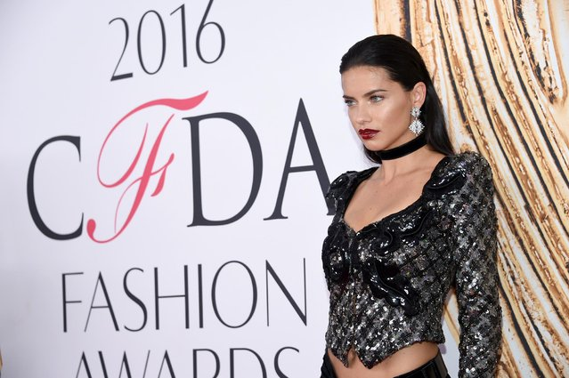 Adriana Lima arrives at the CFDA Fashion Awards at the Hammerstein Ballroom on Monday, June 6, 2016, in New York. (Photo by Evan Agostini/Invision/AP Photo)