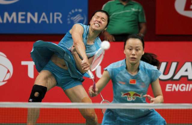 China's Tian Qing (L) and Zhao Yunlei play against Indonesia's Nitya Krishinda Maheswari and Greysia Polii in their women's double badminton match at the BWF World Championships in Jakarta, Indonesia, August 15, 2015. (Photo by Nyimas Laula/Reuters)
