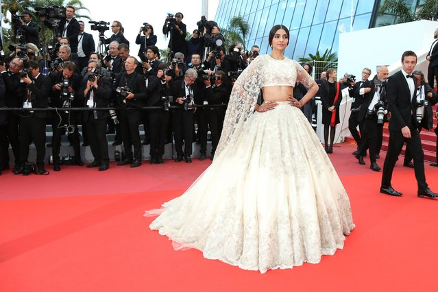 """Actress Sonam Kapoor poses for photographers upon arrival at the premiere of the film """"BlacKkKlansman"""" at the 71st international film festival, Cannes, southern France, Monday, May 14, 2018. (Photo by Joel C. Ryan/Invision/AP Photo)"""