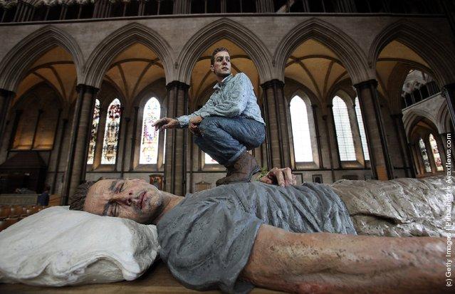 Sean Henry's sculpture Lying Man