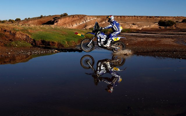 Helder Rodrigues of Portugal rides his Yamaha during the seventh stage in the Dakar Rally 2016 in Uyuni, Bolivia, January 9, 2016. (Photo by Marcos Brindicci/Reuters)