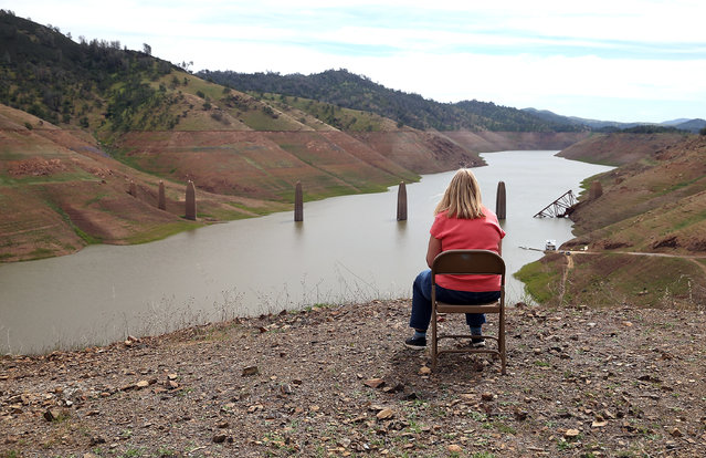 Low water levels are visible at Lake McClure on March 24, 2015 in La Grange, California. More than 3,000 residents in the Sierra Nevada foothill community of Lake Don Pedro who rely on water from Lake McCLure could potentially run out of water in the near future if the severe drought continues. Lake McClure is currently at 7 percent of its normal capacity and residents are under mandatory 50 percent water use restrictions. (Photo by Justin Sullivan/Getty Images)