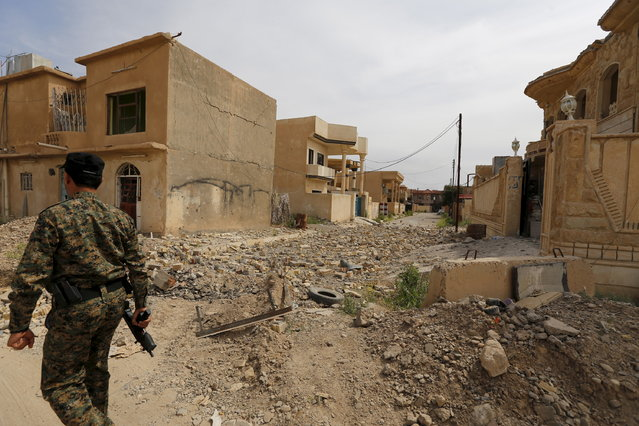 The city of Tikrit is seen April 1, 2015. (Photo by Thaier Al-Sudani/Reuters)