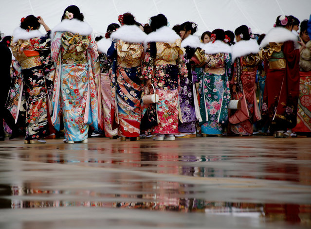 Japanese women wearing kimonos attend their Coming of Age Day celebration in Tokyo, Japan January 9, 2017. (Photo by Kim Kyung-Hoon/Reuters)