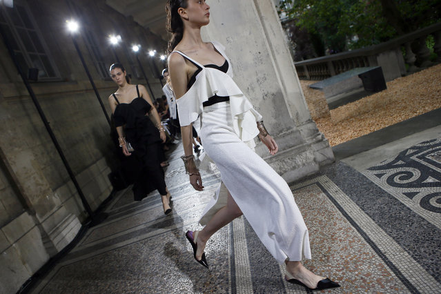 A model displays a creation for Proenza Schouler during their Spring Summer 2018 fashion collection presented in Paris, Sunday, July 1, 2017. (Photo by Francois Mori/AP Photo)