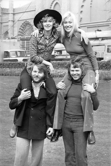Swedish pop stars (clockwise, from bottom left), Benny Andersson, Anni-Frid Lyngstad, Agnetha Faltskog and Bjorn Ulvaeus of ABBA at Brighton. 3rd April 1974. (Photo by Steve Wood/Express)