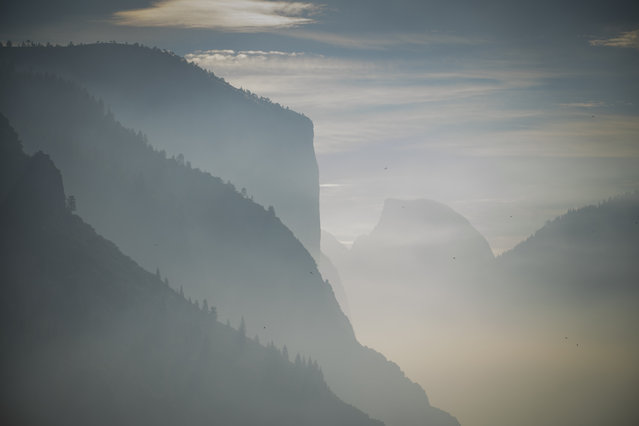 The view within Yosemite National Park, as a smoky haze produced by local wildfire wafts through, in California on July 26, 2014. (Photo by David Griffin/The Washington Post)