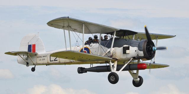 Fairey Swordfish Mk II – LS326 Royal Navy Historical Flight – Flying Legends Airshow Duxford 2012. (Rob Lovesey)
