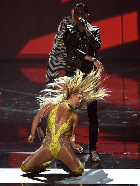 Britney Spears, and G-Eazy perform at the MTV Video Music Awards at Madison Square Garden on Sunday, August 28, 2016, in New York. (Photo by Chris Pizzello/Invision/ANSA/AP Photo)