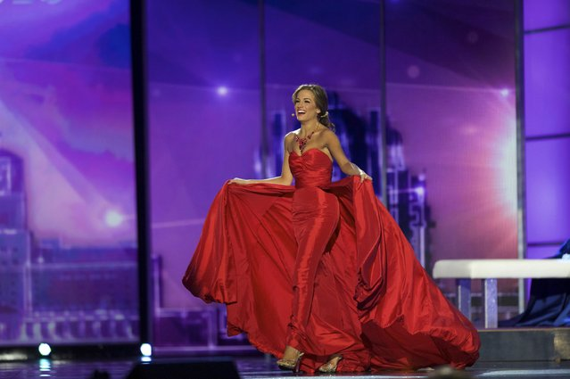 Miss Georgia Betty Cantrell competes in the talent competition, en route to winning Miss America 2016, at Boardwalk Hall in Atlantic City, New Jersey, September 13, 2015. (Photo by Mark Makela/Reuters)