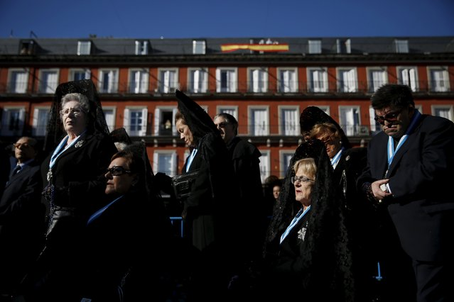 "Women wearing traditional ""mantilla"" dresses take part in an open-air mass to celebrate Madrid's patron saint La Almudena Virgin in Madrid, Spain, November 9, 2015. (Photo by Susana Vera/Reuters)"