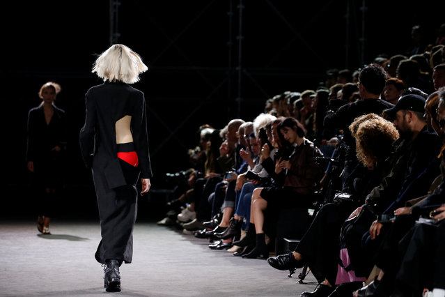A model presents a creation by designer Yohji Yamamoto as part of his Spring/Summer 2019 women's ready-to-wear collection show during Paris Fashion Week in Paris, France, September 28, 2018. (Photo by Stephane Mahe/Reuters)