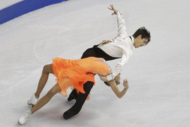 Alexandra Stepanova and Ivan Bukin of Russia perform during the ice dance short dance program at the ISU European Figure Skating Championship in Bratislava, Slovakia, January 28, 2016. (Photo by David W. Cerny/Reuters)
