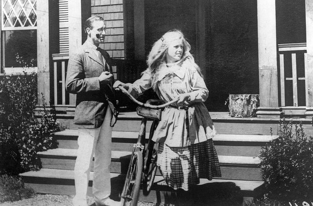 Vice Presidential candidate Franklin D. Roosevelt at his summer home in Campobello with his 14 year old daughter Anna. Location: Campobello, Campobello Island, New Brunswick, Canada on August 2, 1920. (Photo by Bettmann Archive/Getty Images)