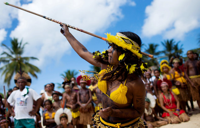 A native Brazilian competes in the spear throwing competition, during the Indigenous Youth Games of Pataxos nation in Santa Cruz de Cabralia, Bahia state, Brazil, April 17, 2016. (Photo by Roosevelt Cassio/Reuters)