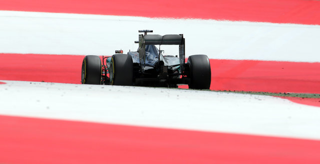 Mercedes driver Lewis Hamilton of Britain steers his car during the Austrian Formula One Grand Prix race in Spielberg, southern Austria, Sunday, June 21, 2015. (AP Photo/Ronald Zak)