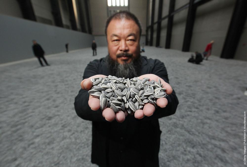 "Installation ""Sunflower Seeds"" By Chinese Artist Ai Weiwei"