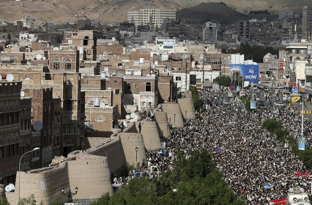 Houthi followers demonstrate against the Saudi-led air strikes in Yemen's capital Sanaa August 24, 2015. (Photo by Khaled Abdullah/Reuters)
