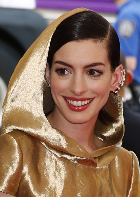 "Actress Anne Hathaway arrives at the Metropolitan Museum of Art Costume Institute Gala 2015 celebrating the opening of ""China: Through the Looking Glass"" in Manhattan, New York May 4, 2015. (Photo by Lucas Jackson/Reuters)"