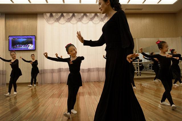Dance instruction at the Mangyongdae Children's Palace in Pyongyang, North Korea on May 5, 2016. (Photo by Linda Davidson/The Washington Post)