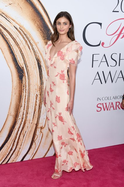 Taylor Hill arrives at the CFDA Fashion Awards at the Hammerstein Ballroom on Monday, June 6, 2016, in New York. (Photo by Evan Agostini/Invision/AP Photo)