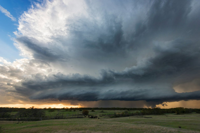 A storm brewing over fields in Ringling, Oklahoma on April 2014. (Photo by Mike Mezeul II/Caters News)