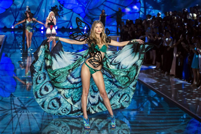 Model Gigi Hadid presents a creation during the 2015 Victoria's Secret Fashion Show in New York, November 10, 2015. (Photo by Lucas Jackson/Reuters)