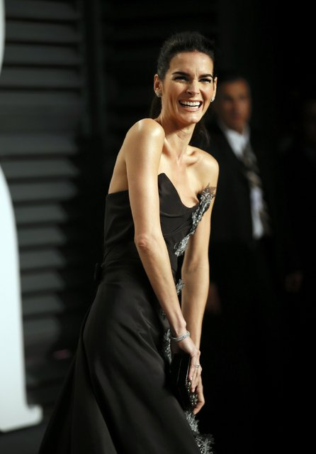 Actress Angie Harmon arrives at the 2015 Vanity Fair Oscar Party in Beverly Hills, California February 22, 2015. (Photo by Danny Moloshok/Reuters)