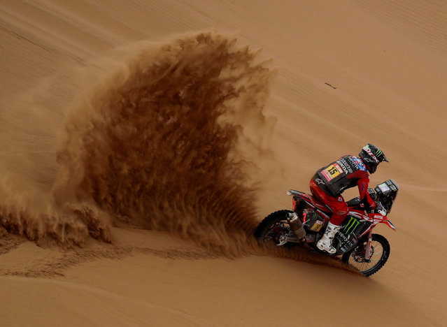 US biker Ricky Brabec powers his Honda during Stage 5 of the Dakar 2019 between Tacna and Arequipa, Peru, on January 11, 2019. (Photo by Carlos Jasso/Reuters)