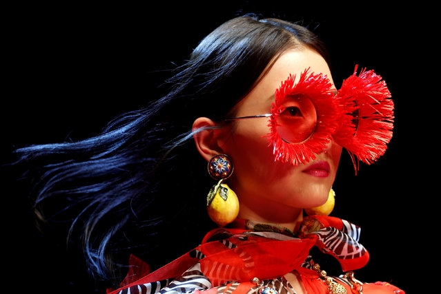 A model displays a creation from the Dolce&Gabbana Spring/Summer 2018 show at the Milan Fashion Week in Milan, Italy, September 24, 2017. (Photo by Alessandro Garofalo/Reuters)