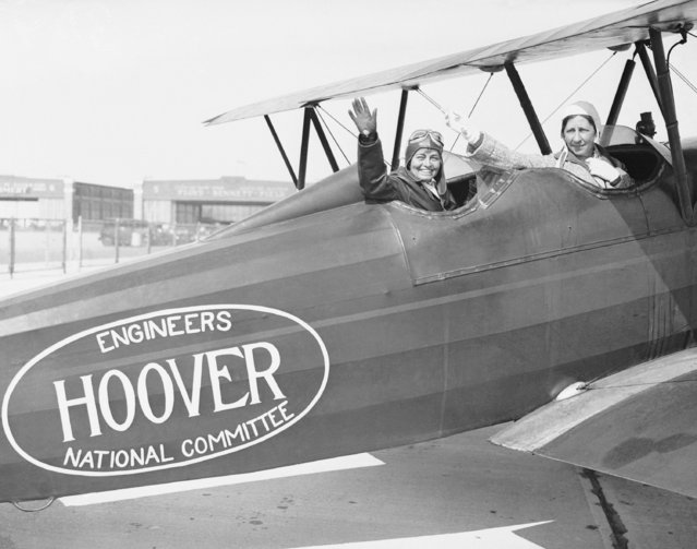 Two grandmothers campaign for the re-election of President Herbert Hoover by taking off from Floyd Bennett Field in the Brooklyn borough of New York, October 3, 1932. The grandmothers, whose first names are not available, are Mrs. H. Foster Bain, pilot, and Mrs. Samuel Dolbear, both of New York. (Photo by AP Photo)