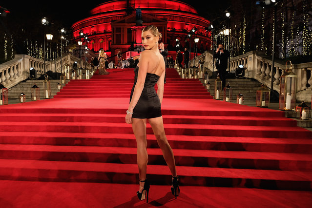 American model Hailey Baldwin attends The Fashion Awards 2017 in partnership with Swarovski at Royal Albert Hall on December 4, 2017 in London, England. (Photo by Mike Marsland/Getty Images for BFC)