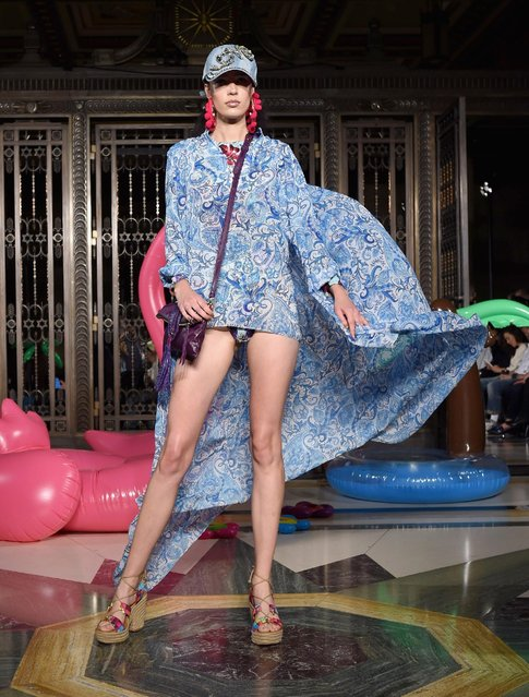 A model walks the runway at the Ashley Isham show at Fashion Scout during London Fashion Week Spring/Summer collections 2017 on September 17, 2016 in London, United Kingdom. (Photo by Tabatha Fireman/Getty Images)