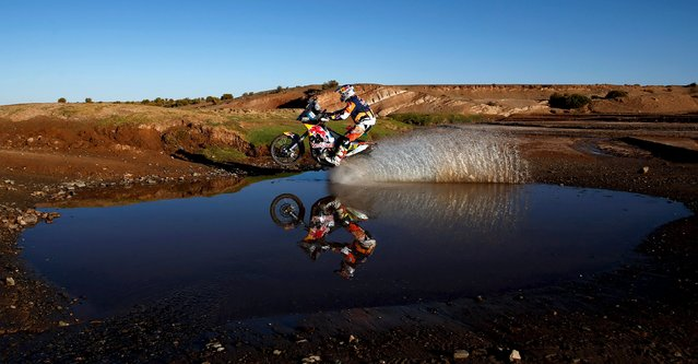 Toby Price of Australia rides his KTM during the seventh stage in the Dakar Rally 2016 near Uyuni, Bolivia, January 9, 2016. (Photo by Marcos Brindicci/Reuters)