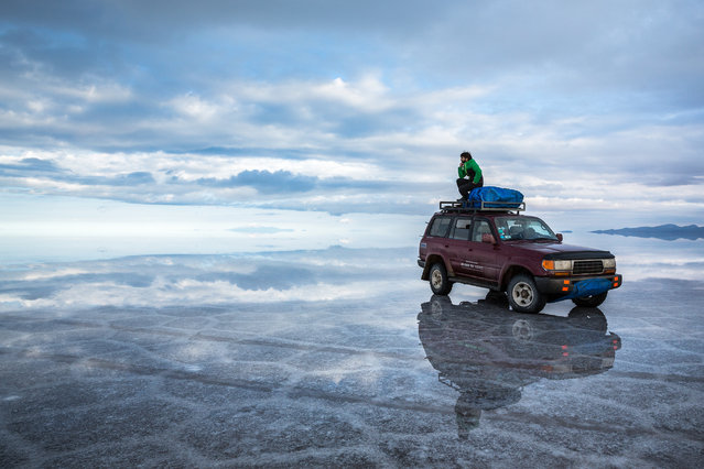 At 10,582 square kilometres, the Bolivian salt flats – otherwise known as Salar de Uyuni – are the largest on the planet and contain between 50 and 70% of the world's lithium reserves. After exploring Chile and Argentina, photographer Joel Santos decided to travel to Bolivia in January 2017 to check the salt flats off his bucket list. With an electrical storm rolling in, Joel and his two travelling companions were the only souls left on the vast flats and captured the eerie flats without a person in sight. (Photo by Joel Santos/Barcroft Images)