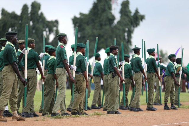 Boy Scouts participate in a parade to commemorate Nigeria's 55th Independence Day in Lagos, October 1, 2015. REUTERS/Akintunde Akinleye