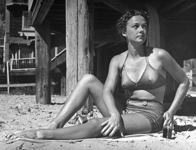 Young woman in a bikini, Santa Monica, Calif., 1940. (Photo by Peter Stackpole/Time & Life Pictures/Getty Images)