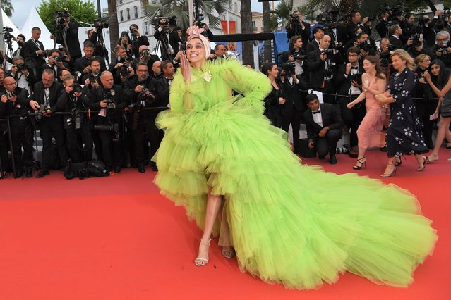 """Indian actress Deepika Padukone arrives for the screening of the film """"Dolor Y Gloria (Pain and Glory)"""" at the 72nd edition of the Cannes Film Festival in Cannes, southern France, on May 17, 2019. (Photo by Loic Venance/AFP Photo)"""