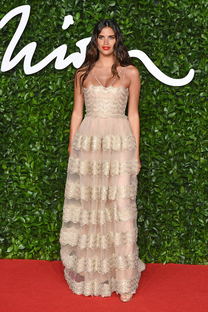Sara Sampaio arrives at The Fashion Awards 2019 held at Royal Albert Hall on December 02, 2019 in London, England. (Photo by Jeff Spicer/BFC/Getty Images)