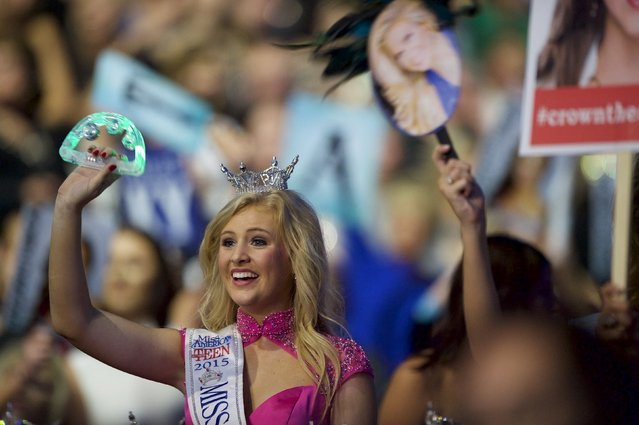 Beauty pageant winners watch the Miss America Pageant at Boardwalk Hall, in Atlantic City, New Jersey, September 13, 2015. (Photo by Mark Makela/Reuters)