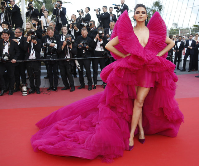 """Indian actress Deepika Padukone arrives on May 11, 2018 for the screening of the film """"Ash is Purest White (Jiang hu er nv)"""" at the 71st edition of the Cannes Film Festival in Cannes, southern France. (Photo by Regis Duvignau/Reuters)"""