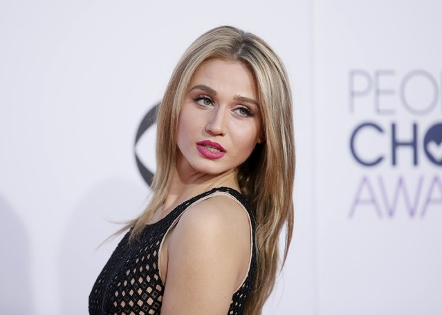 Actress Rita Volk arrives at the 2015 People's Choice Awards in Los Angeles, California January 7, 2015. (Photo by Danny Moloshok/Reuters)