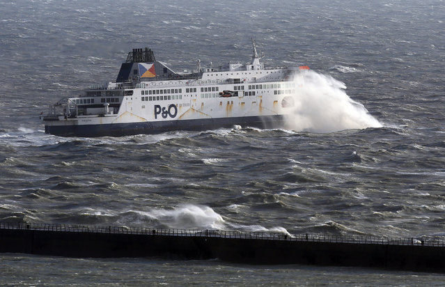 The P&O Pride of Kent ferry leaves port Dover, England in strong winds on November 21, 2016. (Photo by Gareth Fuller/PA Wire)